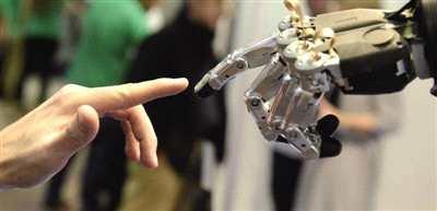 """保险公司玩""""AI+智能投顾""""只为蹭热点?"""