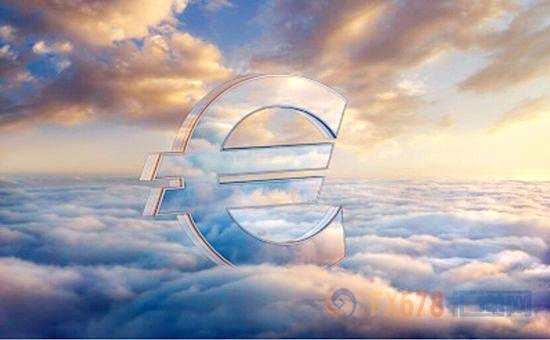 周四(1月11日)欧洲央行会议纪要公布后后,欧元兑美元汇率上涨近0.8%。分析师们认为,此次的会议纪要要比12月份德拉基的讲话更加鹰派,并暗示欧洲央行可能在2018年早期渐进调整前瞻性指引。一些投资者现表示,欧洲央行可能在今年年底之前结束其庞大的债券购买计划,并可能会在第四季度加息。