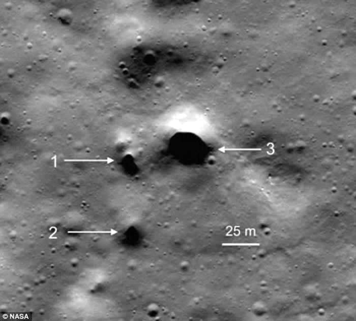 美国宇航局探测器在月球北极的菲洛劳斯环