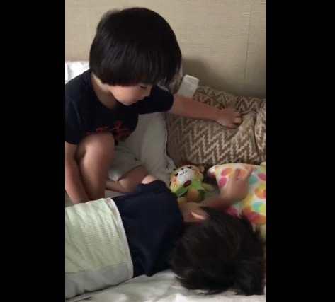林志颖分享双胞胎儿子起床温馨瞬间:我的骄傲