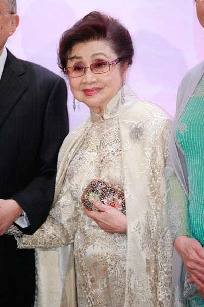 粤剧名伶白雪仙九十大寿 张学友吴君如群星祝贺