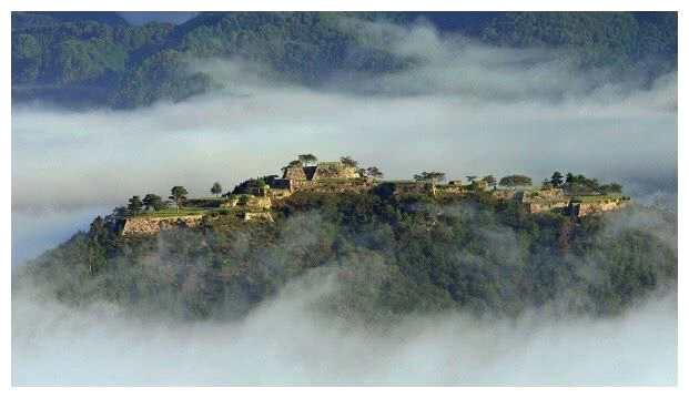 天空之城原来真的存在,美得让人窒息