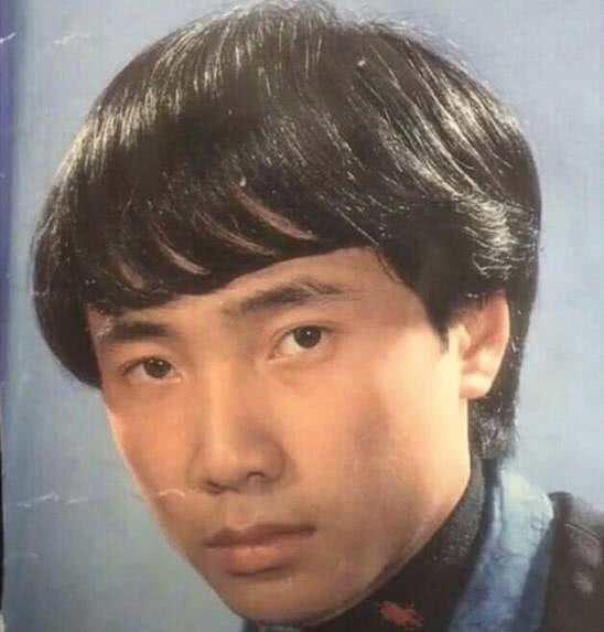 徐峥年轻时竟当过发型模特,这帮光头明星当年都长啥样?