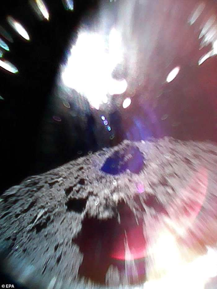 日本宇宙航空研究开发机构公布小行星龙宫