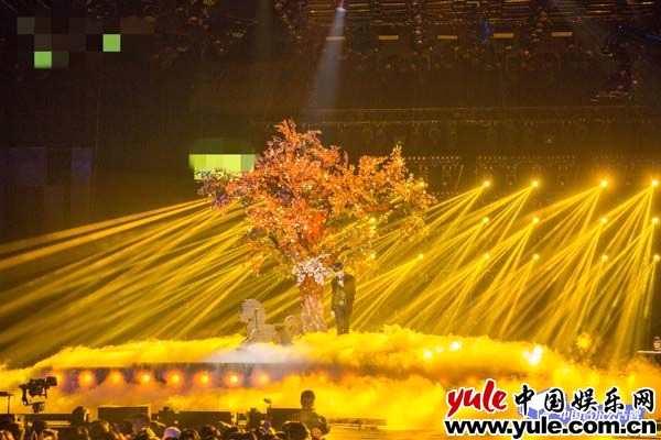 """《中国音乐公告牌》获媒体人""""舞台精致""""认证 粉丝夸节目是""""神仙舞台"""""""