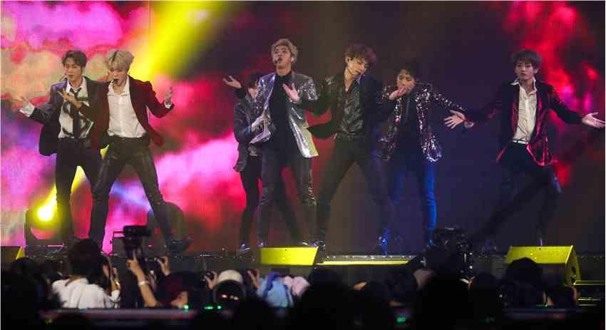 新京报:同为亚洲歌手 防弹少年团凭何获欧美认可?
