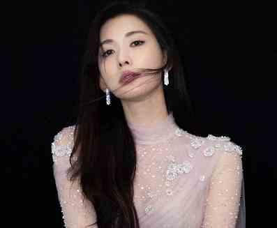 44岁林志玲穿白色婚纱喊话:轮到我了吗,网友:第一名模也恨嫁?