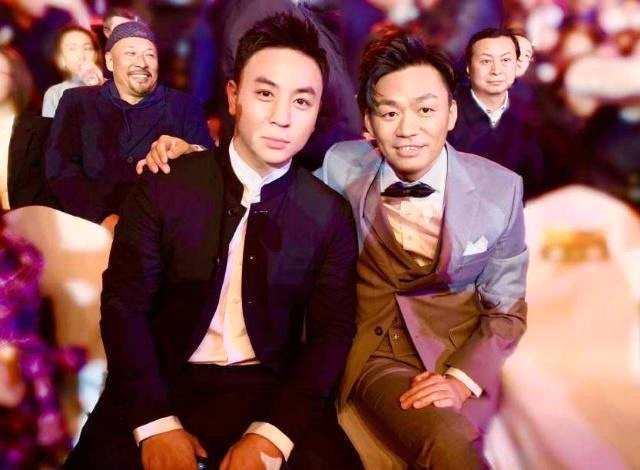 释小龙王宝强颁奖,俩人不为人知的过往关系照片遭扒【组图】