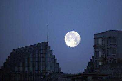 """本年度第二场""""超级月亮"""""""
