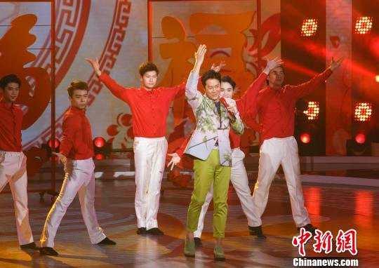 """歌坛""""常青树""""蔡国庆:希望歌者不被快餐文化左右"""