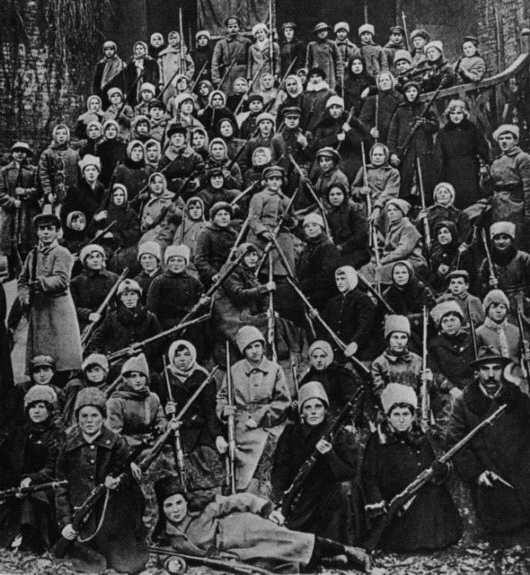 """苏区研究︱石岩:苏联""""共产公妻""""的谣言是如何产生的?"""