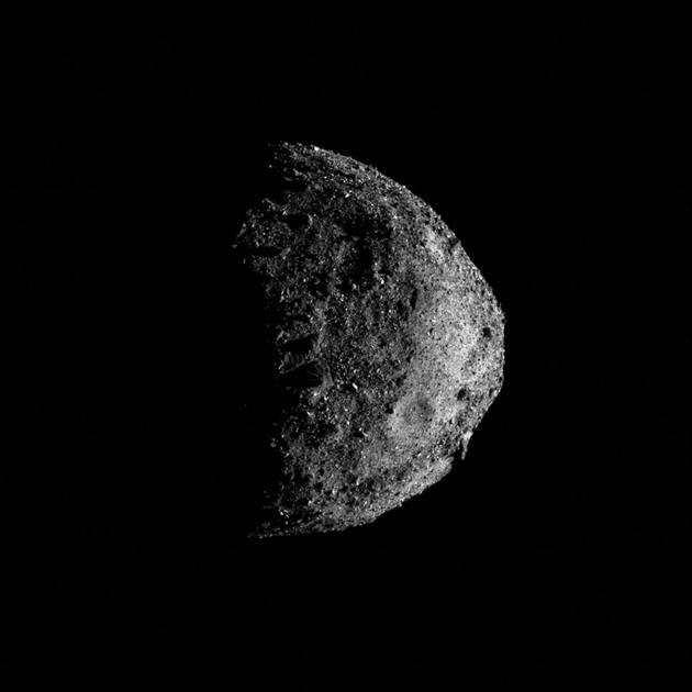 "NASA的OSIRIS-REx探测器抵达小行星""贝努""后不久,就在上面发现了含水矿物质"