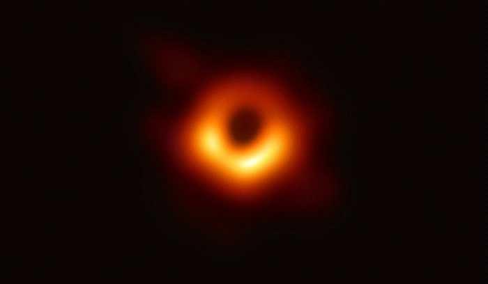 """人类史上第一张黑洞照片中的黑洞命名""""P"""