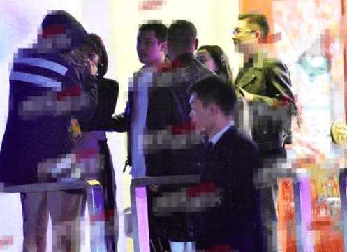 刘涛深夜与神秘男子吃火锅照片曝光 网友:王珂不吃醋?