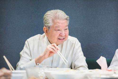 """【开腔】对话""""香港才子""""蔡澜:为何与亦舒老死不相往来?"""