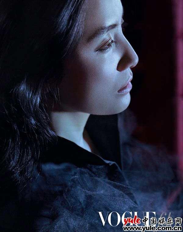 宋佳全新大片釋出 于法國藝術家攝影師鏡頭下演繹《戲夢人生》