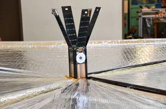 LightSail 2将依靠轰击巨大风帆的光子的物理力量推