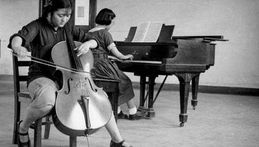 【海上记忆·找到你】65年前,坐在上音琴房的麻花辫女孩