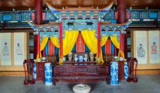 中国有个独一无二的望世家族,千年间人才辈出,不是孔氏家族