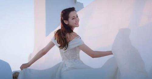迪丽热巴婚纱高清组图曝光太惊艳了 迪丽热巴为什么穿婚纱?