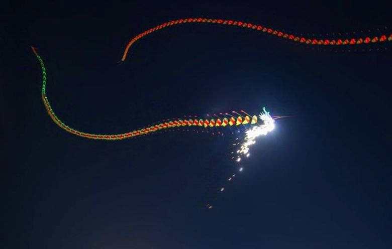 美国俄亥俄州上空出现的4个发光物体会是什么?