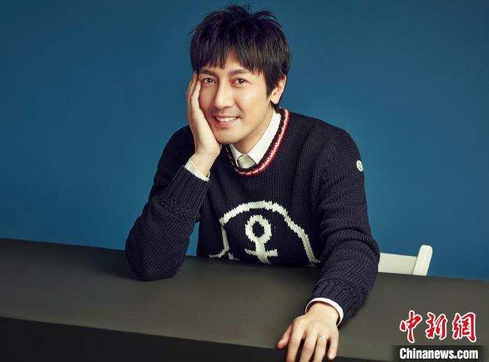 """张鲁一:走出年代剧""""舒适区"""" 携手王子文探讨毕婚族话题"""