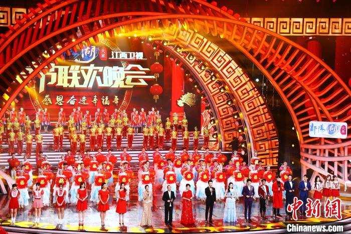 图为2020年1月12日晚,2020年江西卫视春节联欢晚会录制现场。 刘占昆 摄