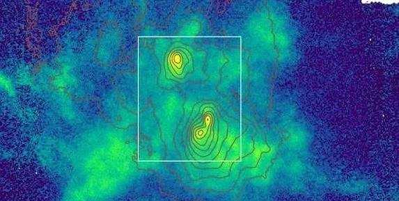 在宇宙中还没有发现三个如此密集的超大质量黑洞,目前的情况提供了三个星系及其中心黑洞同时合