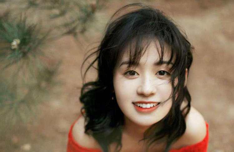明明是个中国人,却取了个日本名字,结果当了八次女主角都没火