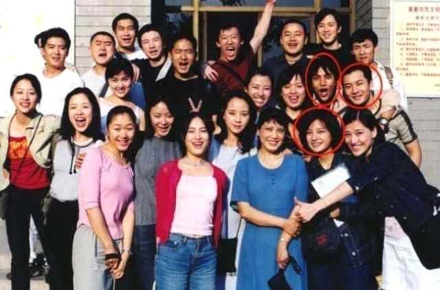 她是赵薇的班长,因小孩惨死退出做公益,如今已经盖了24间学校