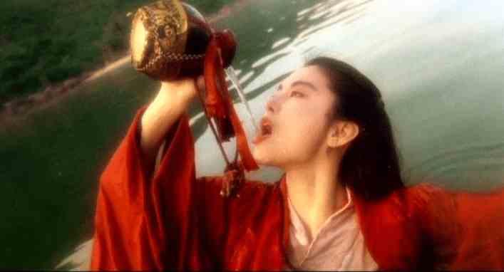 早年的香港电影中,女演员基本没啥地位可言,这才是真正的有苦难言!