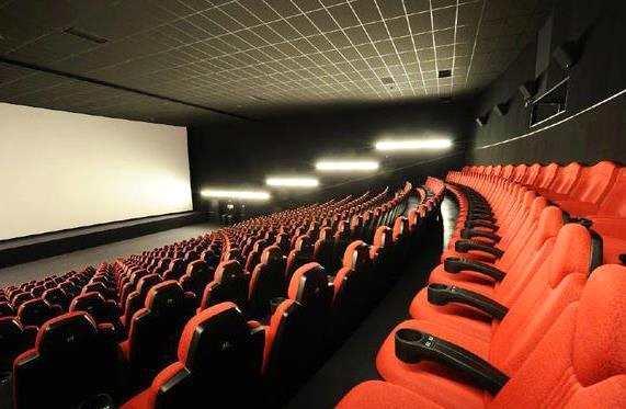 香港政府重新关闭电影院等12类娱乐场