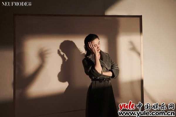 《【杏鑫app注册】宋佳登《NeufMode九号摩登》杂志封面 携刘敏涛演绎光影大片》