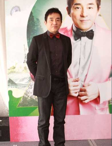 《【杏鑫娱乐账号注册】恭喜!57岁歌手吕方升级当爸 太太顺产诞下女婴》