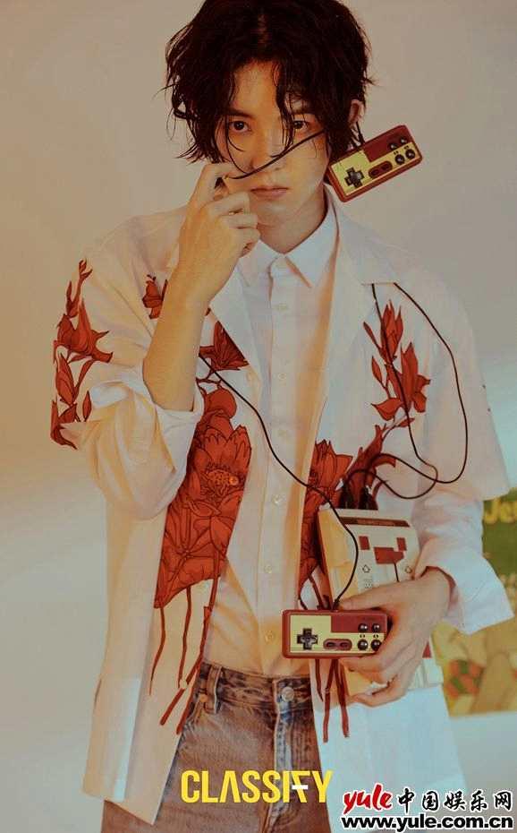 《【杏鑫娱乐注册官网】戴景耀秋日油画大片上线 向光而行追梦无悔》