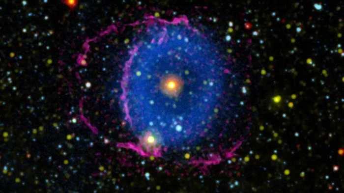 天文学家解开蓝环星云之谜:恒星TYC 2597-735-1碰撞造成