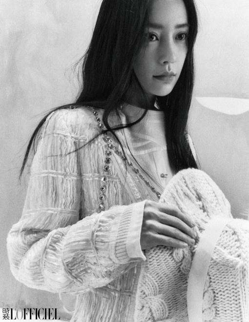 《【杏鑫娱乐平台怎么注册】Angelababy孤落美大片释出 黑直长发眼神传情》