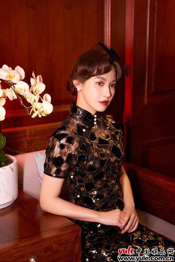 杨雪复古旗袍大片曝光 完美诠释四种不同风格