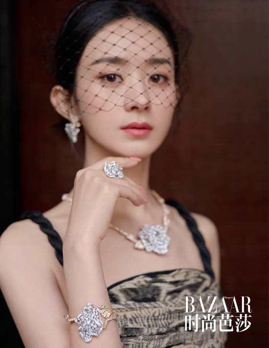 赵丽颖解锁夏日繁花大片 演绎繁华簇拥的复古女王