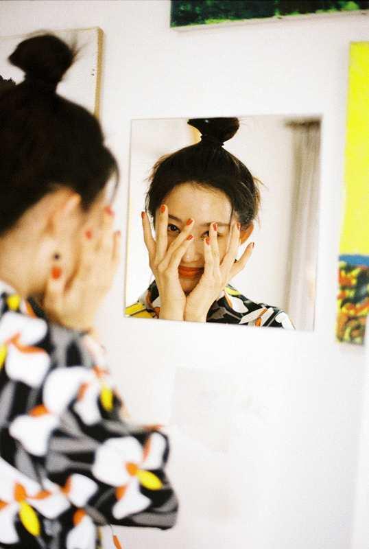 《【2号站娱乐平台首页】孙佳雨新剧定档反差大 日常照片甜美俏皮》