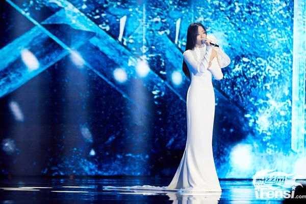 《【杏鑫娱乐平台怎么注册】张靓颖献唱《最可爱的人》》