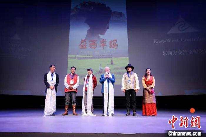 摩臣3平台谢飞导演旧作《益西卓玛》平遥展映 电影主题画展揭幕