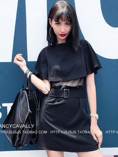 镂空透视腰带连衣裙 我们都爱的小黑裙
