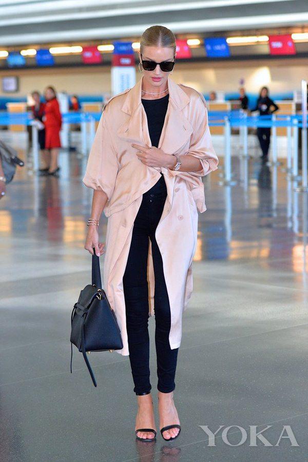 时髦如大幂幂却更接地气 她才是真正的机场私服queen(图8)