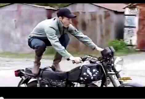 【哇哈哦哦】摩托车搞笑失误集锦