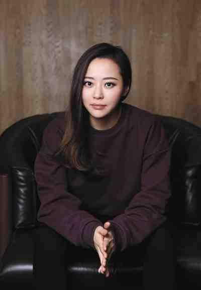 """张靓颖婚后首次接受采访 直面""""家务事"""""""