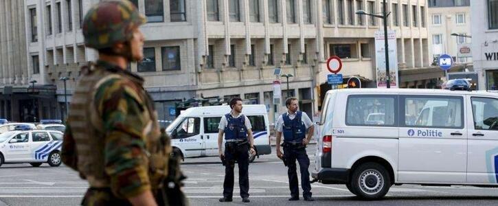 比利时布鲁塞尔火车站爆炸 一嫌犯被开枪击中