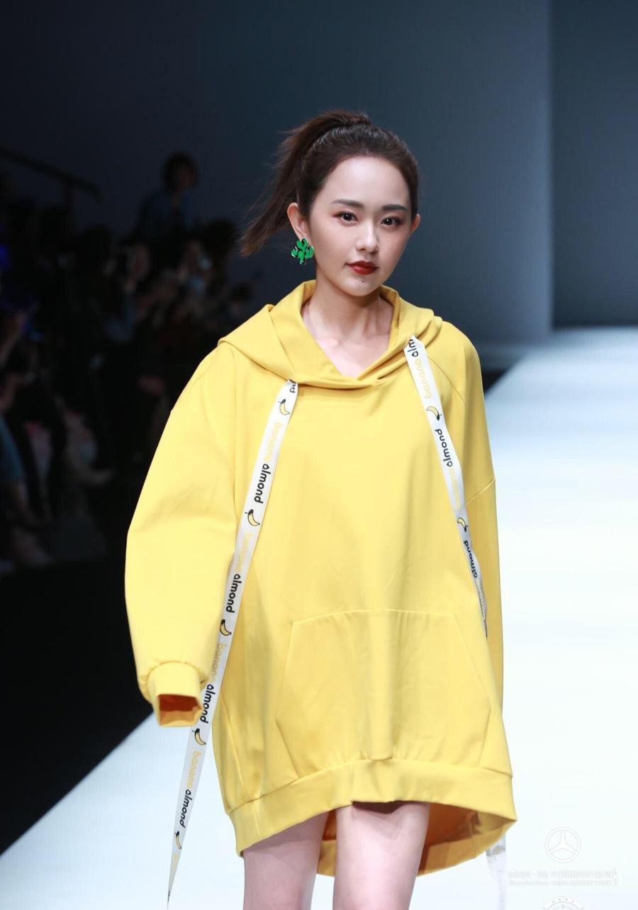 孙耀琦携自主品牌Rokey中国时装周首秀