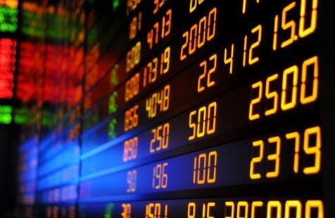 机构对金融股开启追逐模式 三板块获近百亿元大单布局