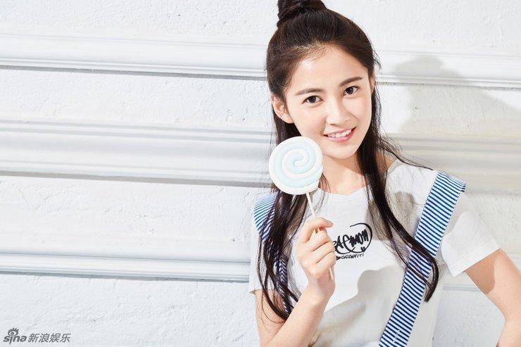九公主陈钰琪活力写真 青春俏皮很迷人